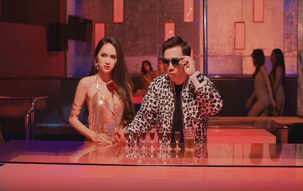 """Đàm Vĩnh Hưng ra MV """"mướt mắt"""" người hâm mộ"""