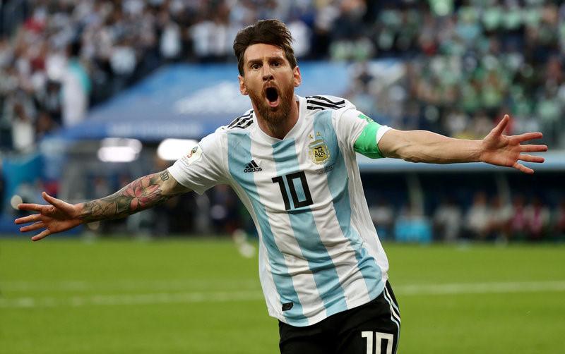 Lionel Messi ăn mừng sau khi ghi bàn thắng đầu tiên tại World Cup lần này.